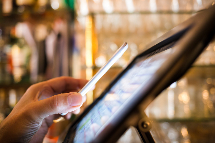 4 Ways Retailers Are Getting It Right with In-Store Mobile Devices