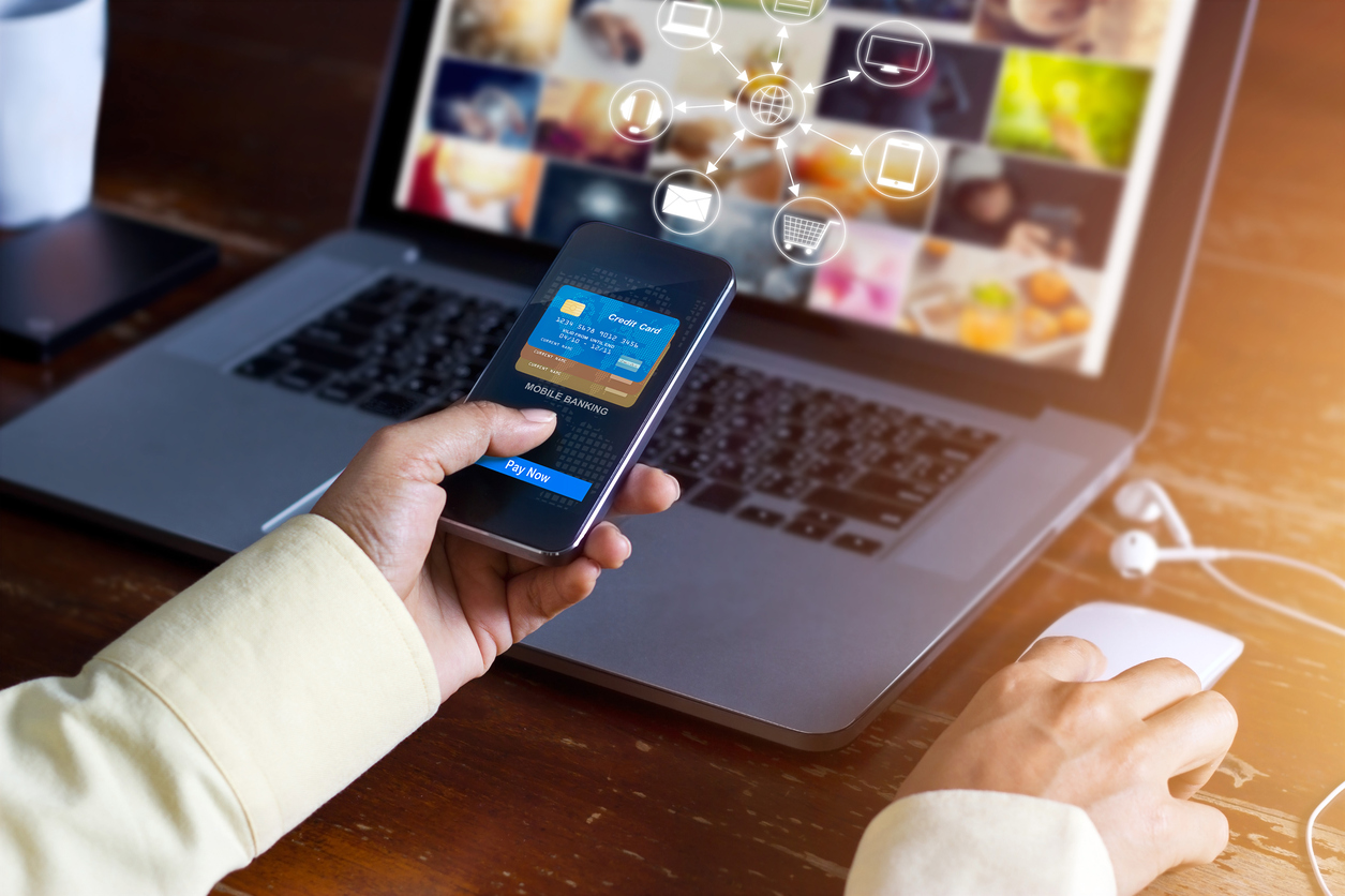 Using Advanced Technologies in Retail to Keep Up with Evolving Consumer Behavior