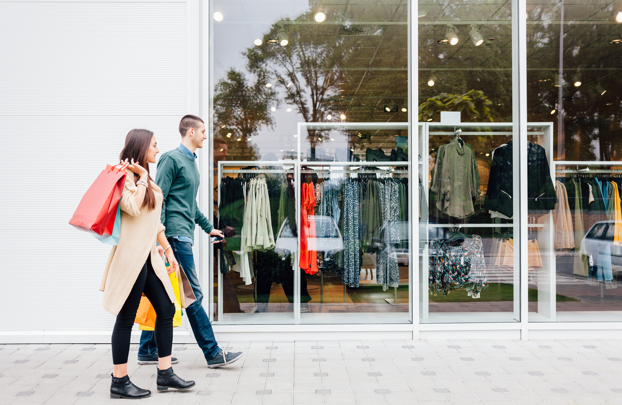Brick and Mortar Retail Isn't  Dying — It's Evolving to Thrive in  an Omnichannel Marketplace